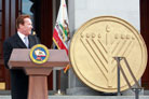 Outgoing Gov. Schwarzenegger Helps Distribute Chanukah Gifts