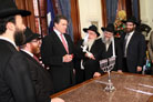 Texas Governor Welcomes Rabbinical Delegation to Capitol Office