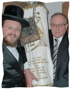 Rabbi Yitzchak Weitz with David Brager and his Torah