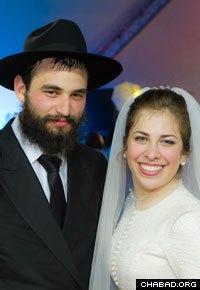 Zalman and Yehudis Futerfas. (Photo: Moishy Lew)