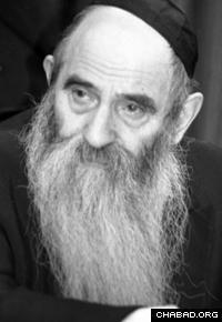 Rabbi Avrohom Drizin (Photo: Lubavitch Archives)