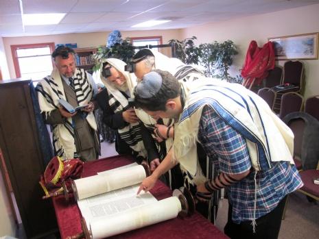 Torah Reading 015.JPG