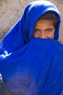 ילדה בחבל קנדהאר באפגניסטן. האם היא קרובת משפחה שלנו? (צילום: צבא ארצות הברית)