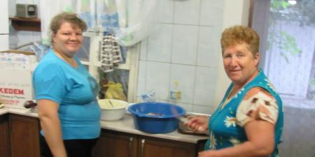 Our kitchen help put together a fantastic Kosher Jewish-Ukrainian Shabbat feast.