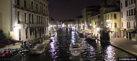 Venice's Cannaregio Canal at night. (Photo: Levi Stein)
