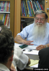 Professor Velvl Greene talks about the volume of correspondence he received from the Rebbe, Rabbi Menachem M. Schneerson, of righteous memory. (Photo: Lubavitch Archives)