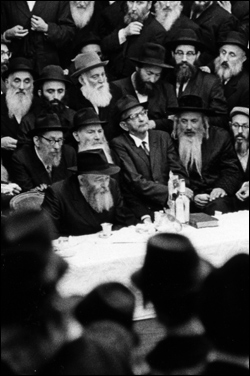 A ''farbrengen'' with the Rebbe in the 1960's. (Photo: Lubavitch Archives)