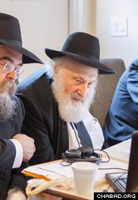 Rabbi Dovid Schochet of Toronto administers an exam to rabbinical students in New York. (Photo: Ran Shapira)