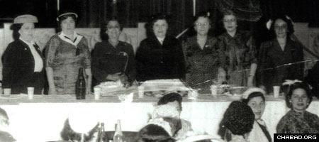 Rebbetzin Chana Schneerson, center, at a Lubavitch Women's Convention in New York (Photo: Lubavitch Archives)