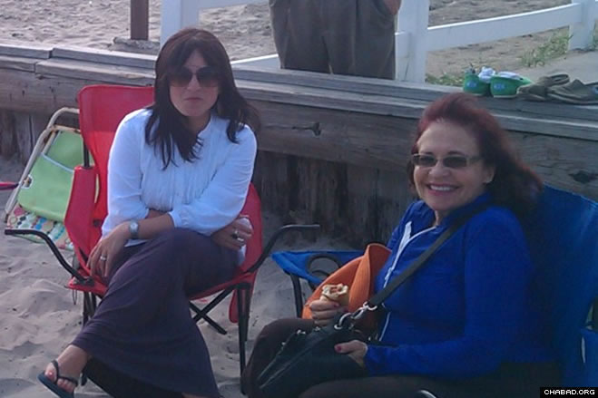 The late afternoon Wednesday provided the perfect chance for Jewish visitors and residents at Ventnor's slice of the New Jersey shore to enjoy the decreasing temperatures and kosher hotdogs.