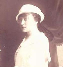 Rebbetzin Chaya Mushka in her youth