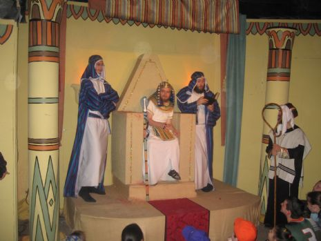 A scene from Pharoah's palace.JPG