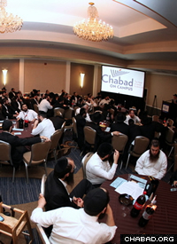 There was a fully-packed schedule of seminars and meetings, along with time to renew friendships, meet new emissaires, and share experiences. (Photo: Bentzi Sasson for Chabad.edu)