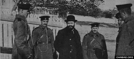 Mendel Beilis under guard during the trial