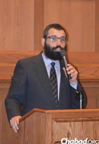Rabbi Hershey Novack chaired a session on alcohol and substance this summer at the Chabad on Campus International Shluchim Conference,