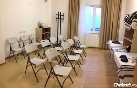 The facilities have fully functioning synagogues for prayers, Torah lectures, Jewish information centers and, of course, kosher food and Shabbat celebrations.