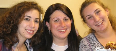 Chana Novack, center, with students at a pre-Rosh Hashanah gathering.