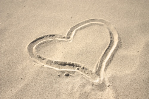 sand-heart-2-1421655-m.jpg