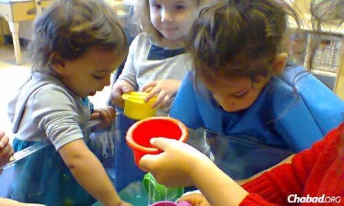 From art to science to reading readiness, kids at Gan Menachem in Dallas get a hands-on education that allows them to explore Jewish and secular concepts at age-appropriate levels.
