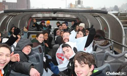 Fun and friendship at last year's CTeen (Chabad Teen Network) International Teen Shabbaton, to be held this year from Feb. 28 to March 2. (Photo: Bentzi Sasson/CTeen.com)