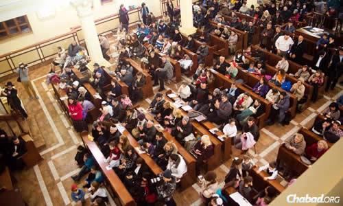 Ukranian Jews have been gathering in synagogues around the nation during this time of crisis, such as the Chabad synagogue in Kharkov. (File photo)
