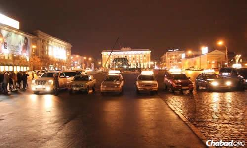 The main square in Kharkov, now the site of demonstrations, recently served as the backdrop for a Chanukah motorcade. (File photo)