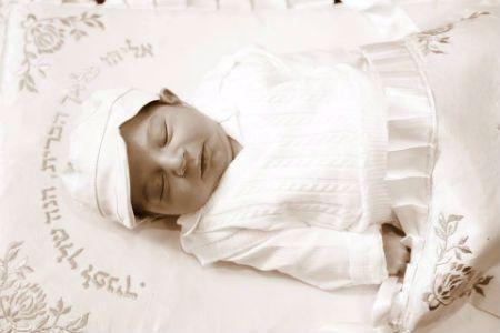 התינוק, שנקרא על שם אביו - שלמה