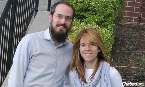 Rabbi Mendel and Estee Popack