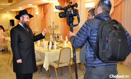 Rabbi Pinchus Vishedski, Chabad representative of Donetsk, Ukraine, was interviewed by Israel's Channel 9 prior to the seder on the first night of Passover. Since that time, the situation in Eastern Ukraine has deteriorated badly.