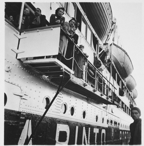 Refugees aboard the Serpa Pinto in the port of Lisbon in September 1941 (Credit: USHMM, courtesy of Milton Koch).