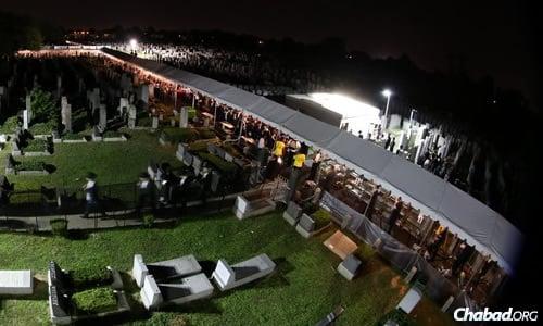 Thousands gathered through the night on Sunday. (Photo: Chaim Perl)