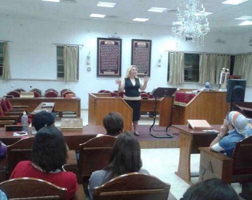 בהרצאה בפני נשים