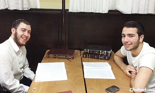 The schedule included one-on-one Talmud study, sometimes partnering up with Kollel fellows and yeshivah students from nearby Jewish institutions.