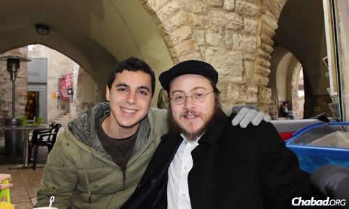 Sean Carmeli wiith Rabbi Asher Hecht, co-director of Chabad of the Rio Grande Valley in Texas