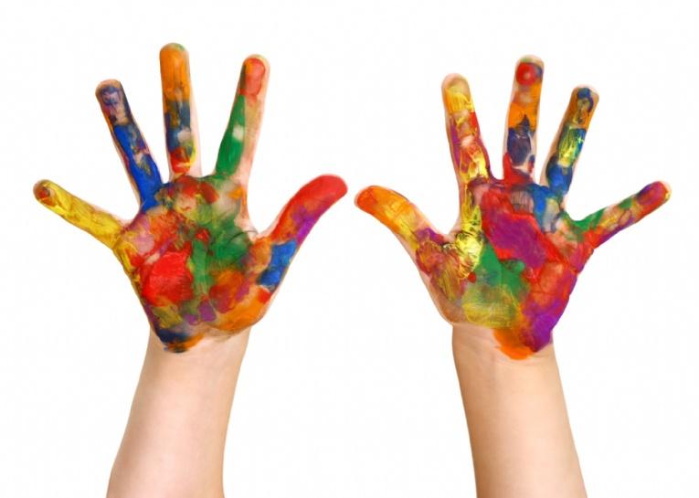kids_paint_hands[2].jpg