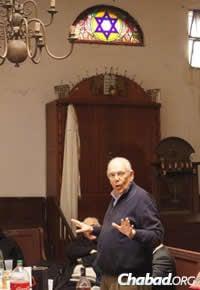 President Batlle's talk encompassed Israel, contemporary anti-Semitism and the Uruguayan Jewish community.