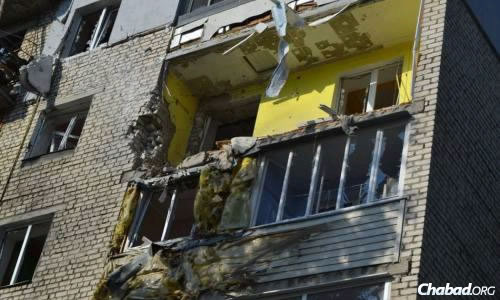 Destruction in the streets of Lugansk.