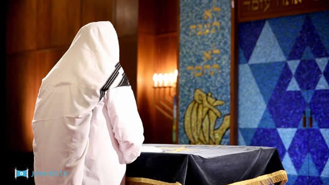 Why Is Kol Nidre Considered the Holiest of Jewish Prayers