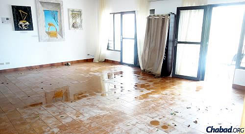 The shul of the Cabo Jewish Center, co-directed by Rabbi Benzion and Sonia Hershcovich, was completely flooded.