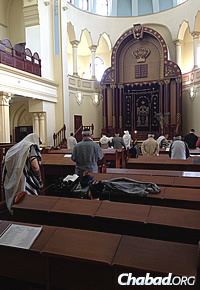 Morning prayer services at the central synagogue in Kharkov.
