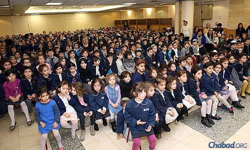 Today, some 2,600 students are enrolled in the Sinai institutions—a far cry from the 20 children that the senior Rabbi Pevzner managed to round up when he first opened the school in 1965. (Benams Photo)