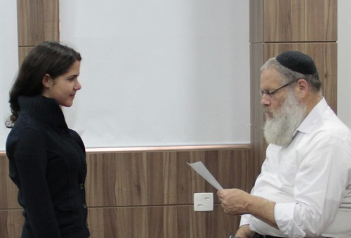 Yaakov Rosenthal sees hundreds of teens every year, helping them gain insight into themselves through their handwritings.