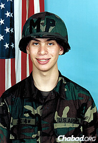 By the time Shudnow was 17, he was enrolled in the U.S. Army.