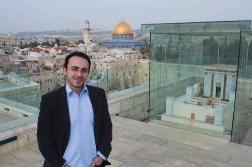 In Jerusalem with the Temple Mount and a model of the Holy Temple in the background (photo: Dafna Tal).