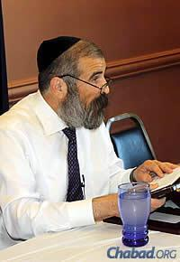 Rabbi Yehoshua B. Gordon has been teaching a live online class that follows the daily study cycle of Tanya, and Chumash with Rashi since 2009.
