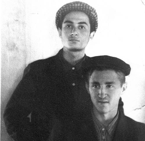 עם חברו ר' מיכאל מישולובין.