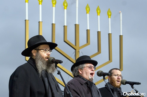 """The Three Cantors"" sing at the National Menorah Lighting in Washington, D.C. (Photo: Ron Sachs)"