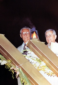 David Goldberg, president of Argentine Jewry's umbrella organization DAIA, and Ephraim Tari, who became the Israeli ambassador to Argentina in 1985.