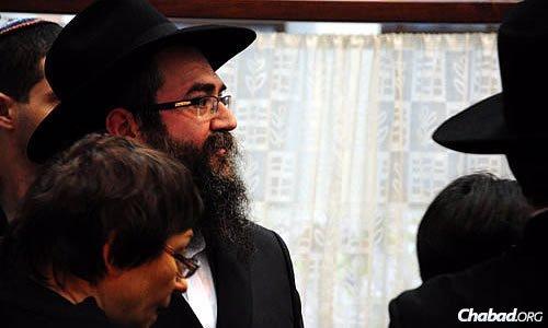 Rabbi Vishedski attends the Shabbaton with the Donetsk and Lugansk communities.