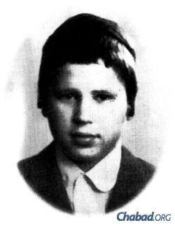 Rabbi Mordechai Shmuel Ashkenazi around the time of his first meeting with the Rebbe.